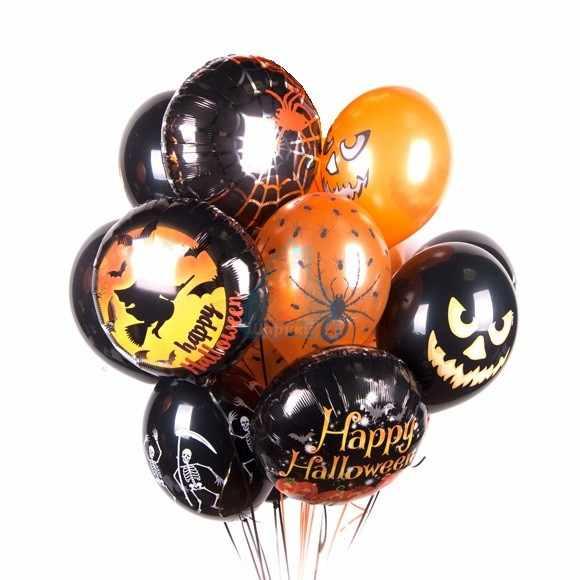 Композиция из шариков на Хэллоуин с тыквами, скелетами и пауками