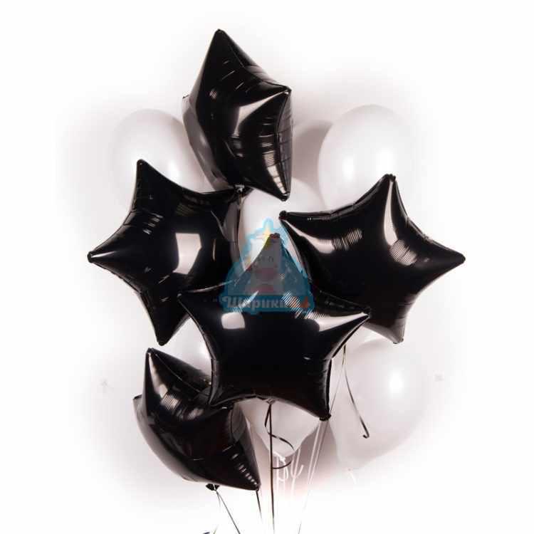 Композиция из белых шариков с черными звездами
