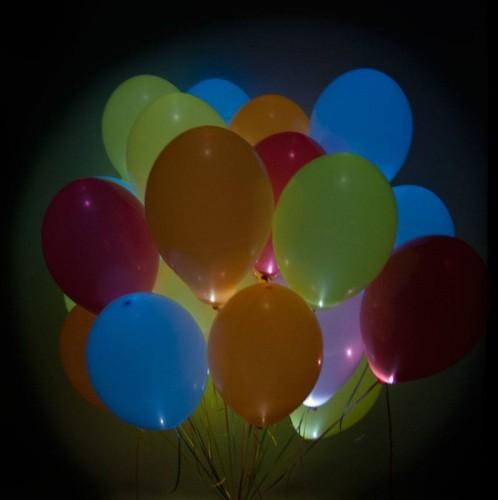 Разноцветные шарики с мигающими разноцветными светодиодами фото в интернет-магазине Шарики 24