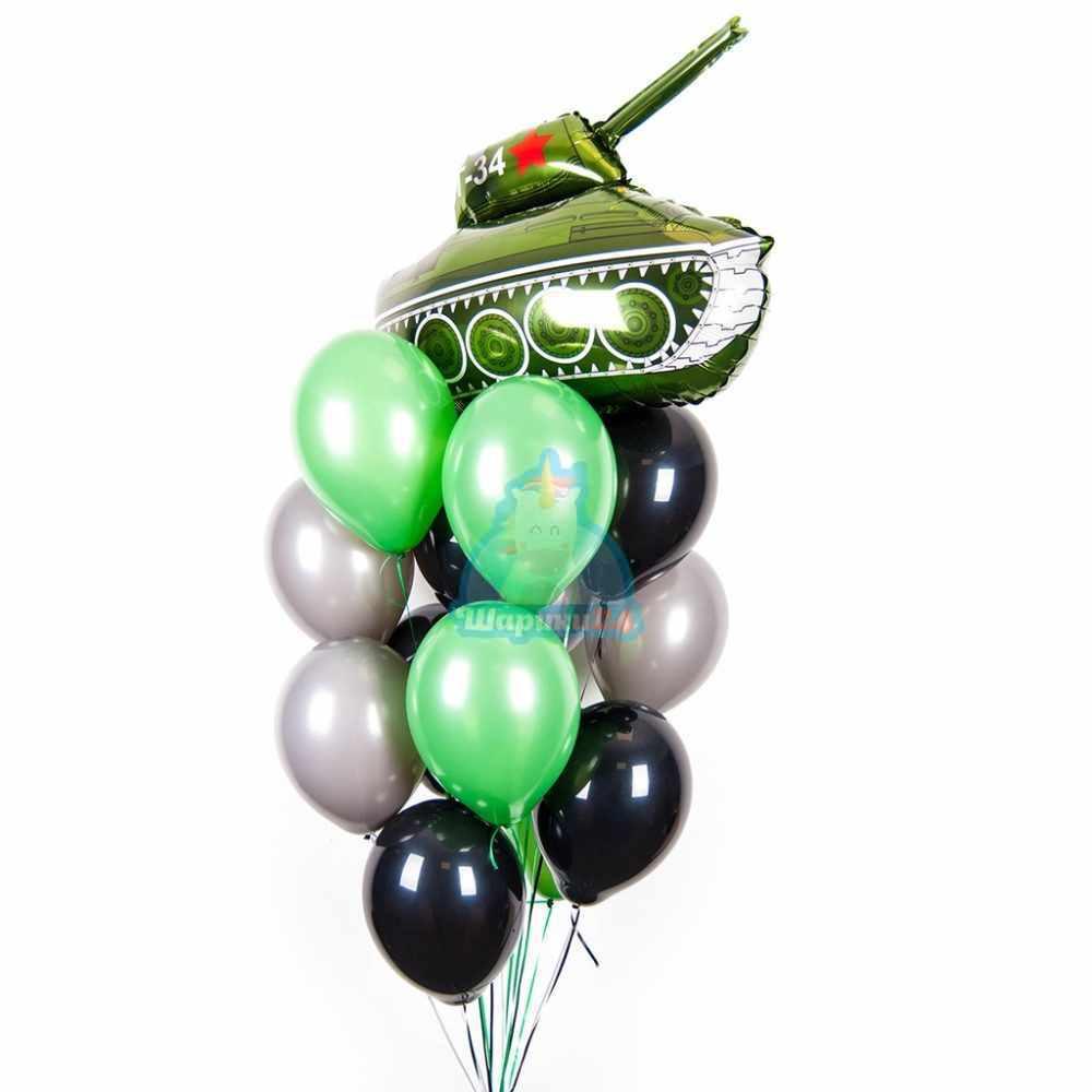 Композиция из зеленых, серых и черных шаров с фольгированным танком