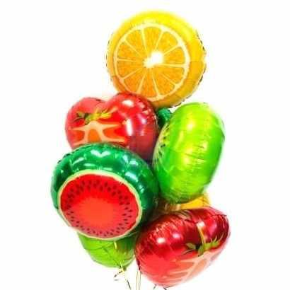 Композиция из фольгированных фруктов