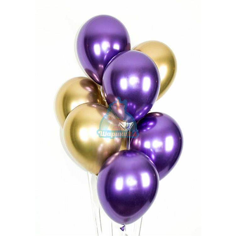 Облако фиолетовых и золотых хромированных шариков