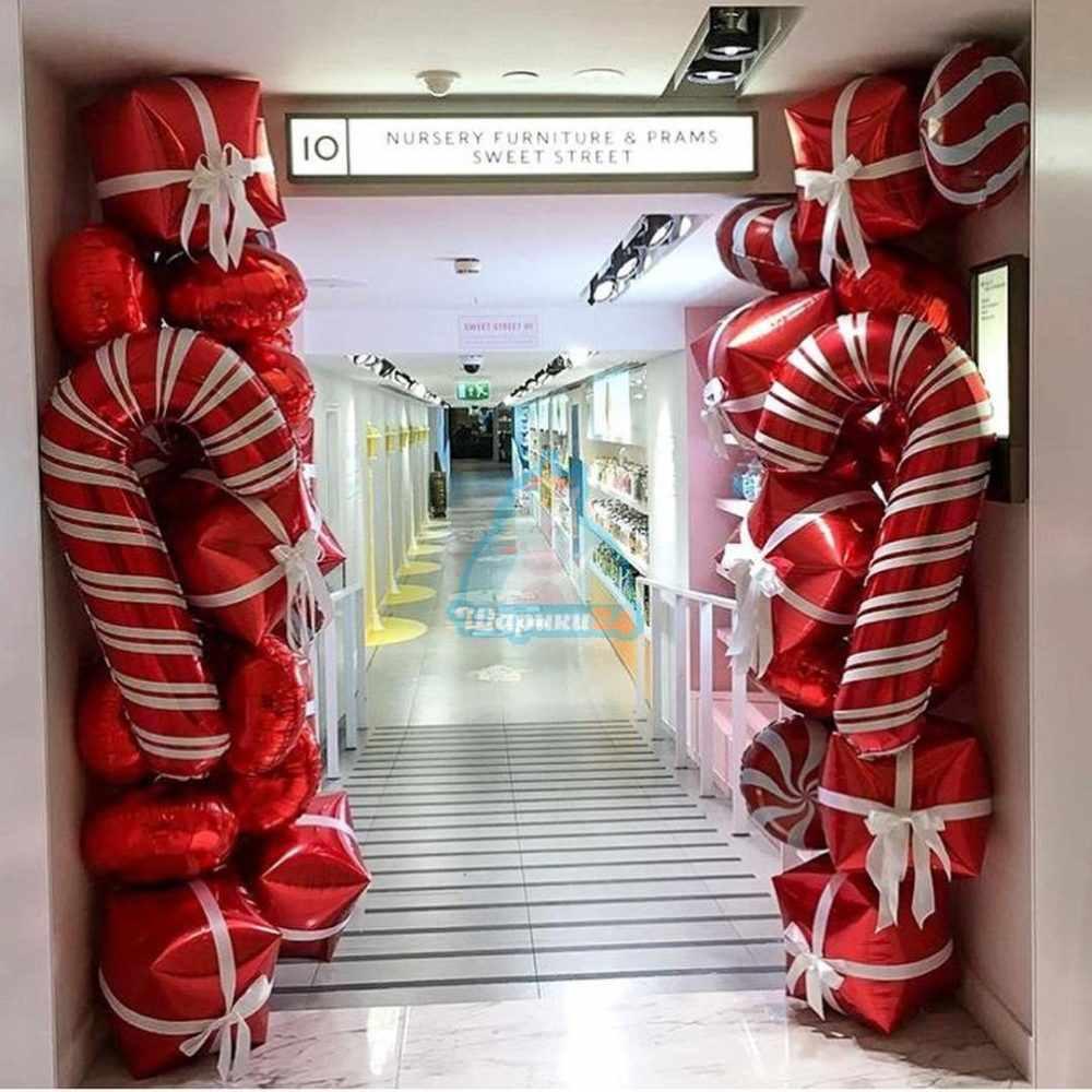 Оформление шарами стойки на новый год
