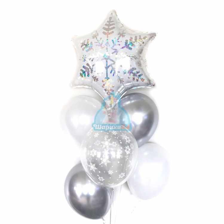 Композиция из белых и серебряных шаров на новый год