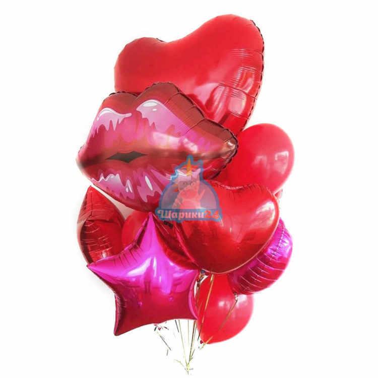 Композиция с большим сердцем и красными губами на 8 марта