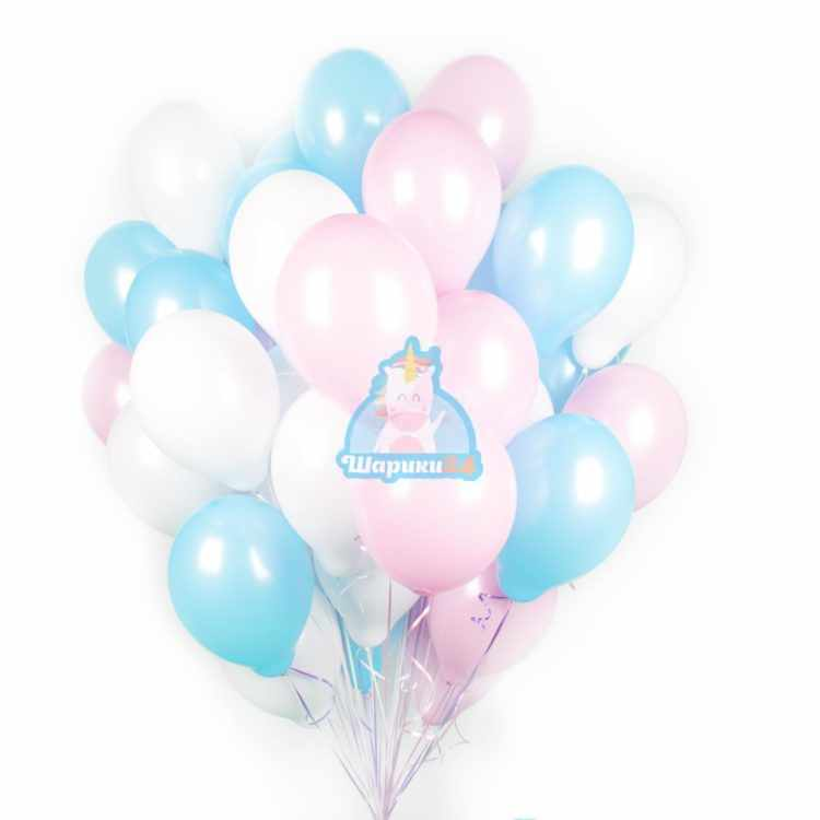 Облако белых, розовых и голубых шаров на 8 марта