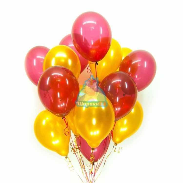 Облако из золотых шариков металлик и красных шариков кристалл на 8 марта