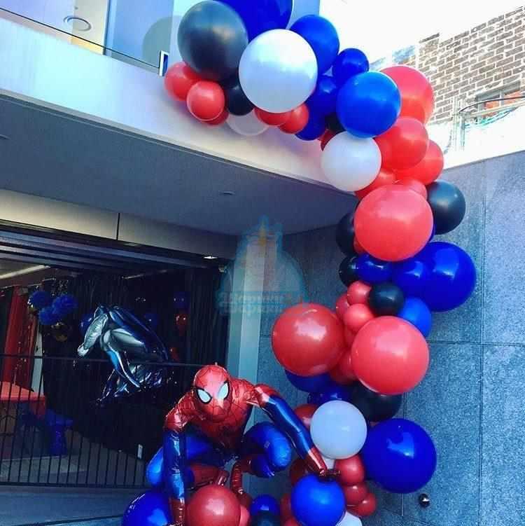 Арка с человеком пауком 5м