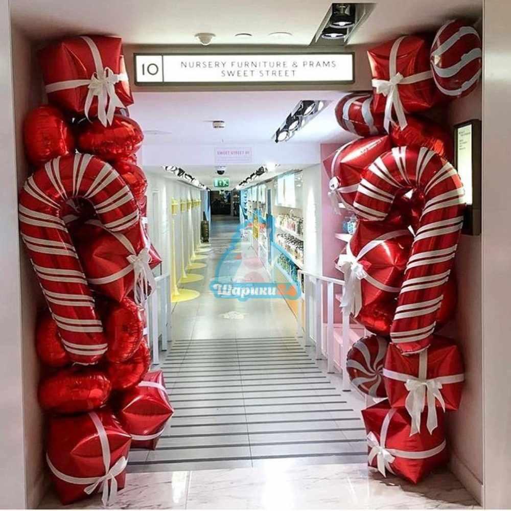 Оформление воздушными шарами стойки на новый год
