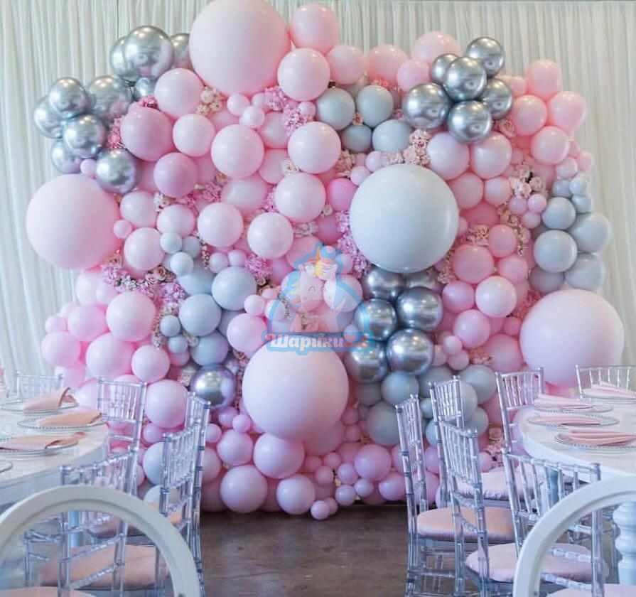 Оформление воздушными шарами стена из разноразмерных розовых и серебряных шаров 1 кв.м