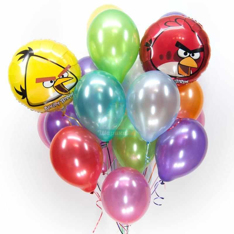 Композиция из разноцветных шариков металлик с Angry Birds