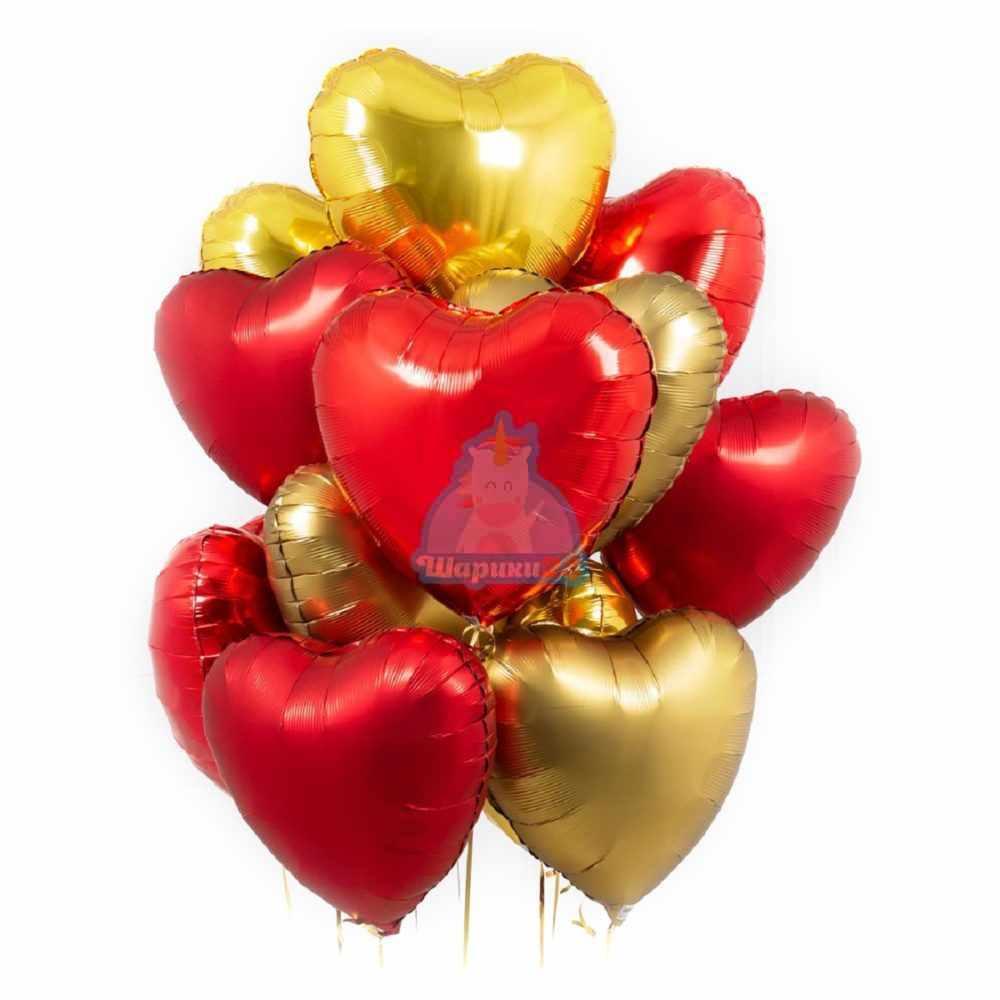 Композиция золотых и красных сердец на 14 февраля