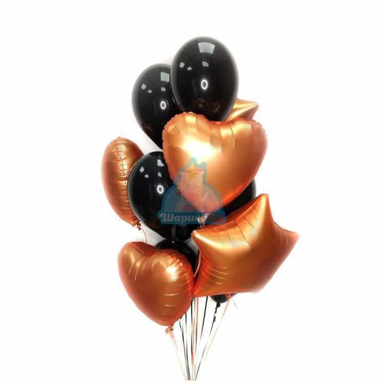 Композиция из черных шаров с сатиновыми сердцами и звездами