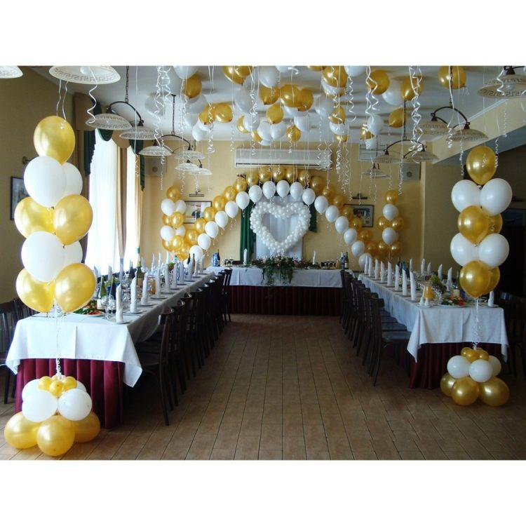 Оформление свадьбы воздушными шарами белое сердце