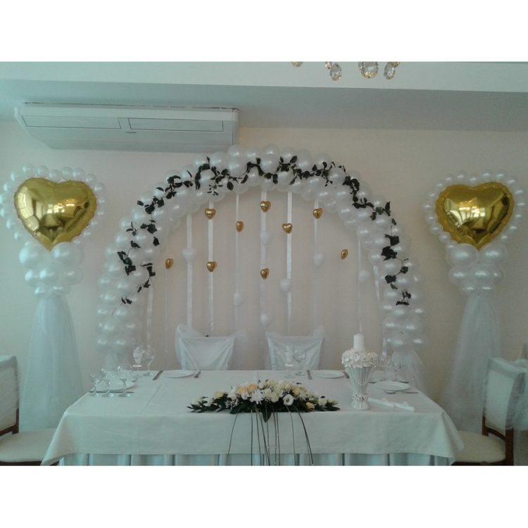 Оформление свадьбы белыми воздушными шарами