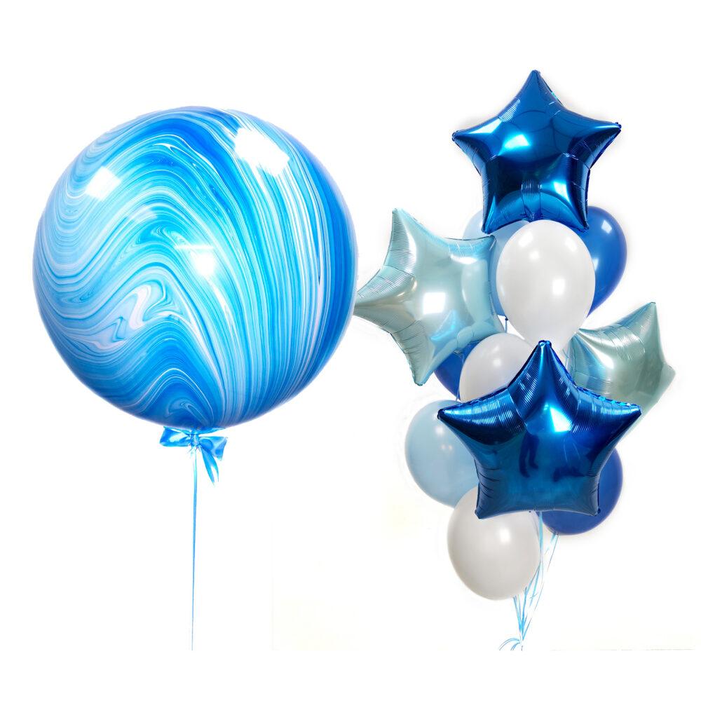 Композиция из голубых и синих шаров со звездами и большим голубым агатом