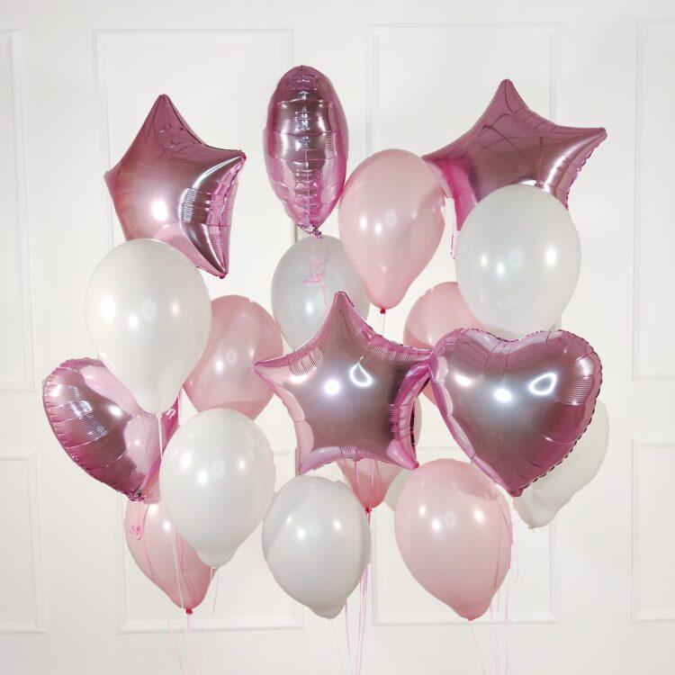 Композиция из бело-розовых шаров с сердцами и звездами на 14 февраля