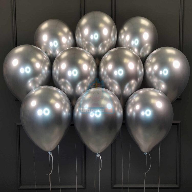 Облако серебряных хромированных шаров
