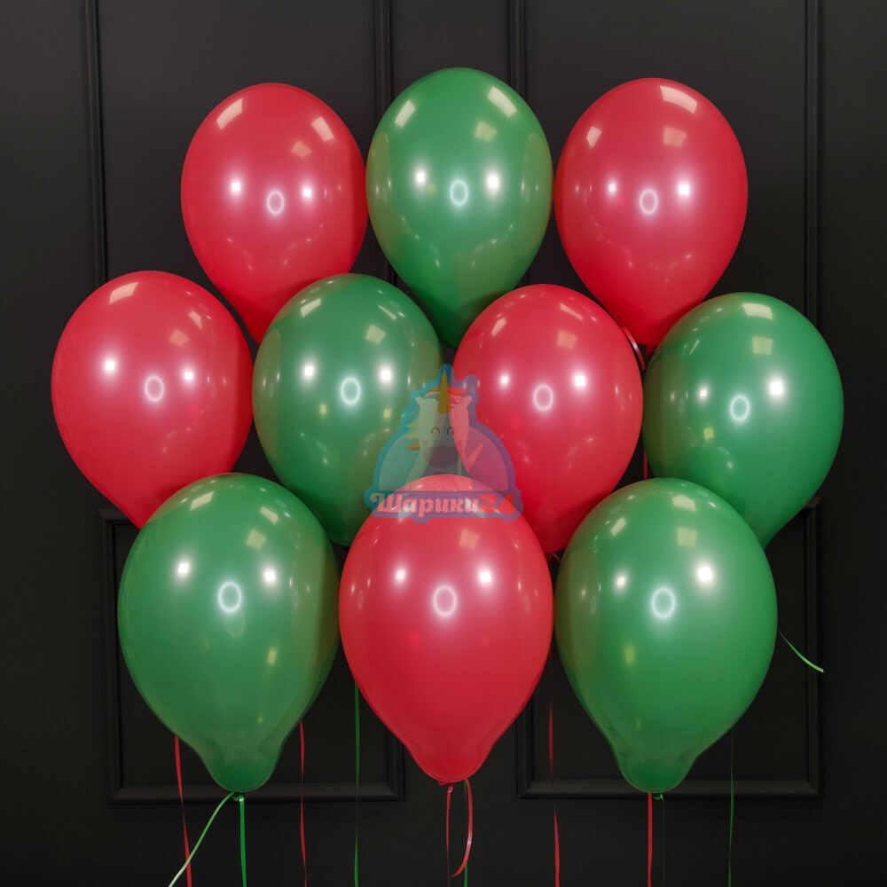 Облако красных и зеленых шаров на новый год