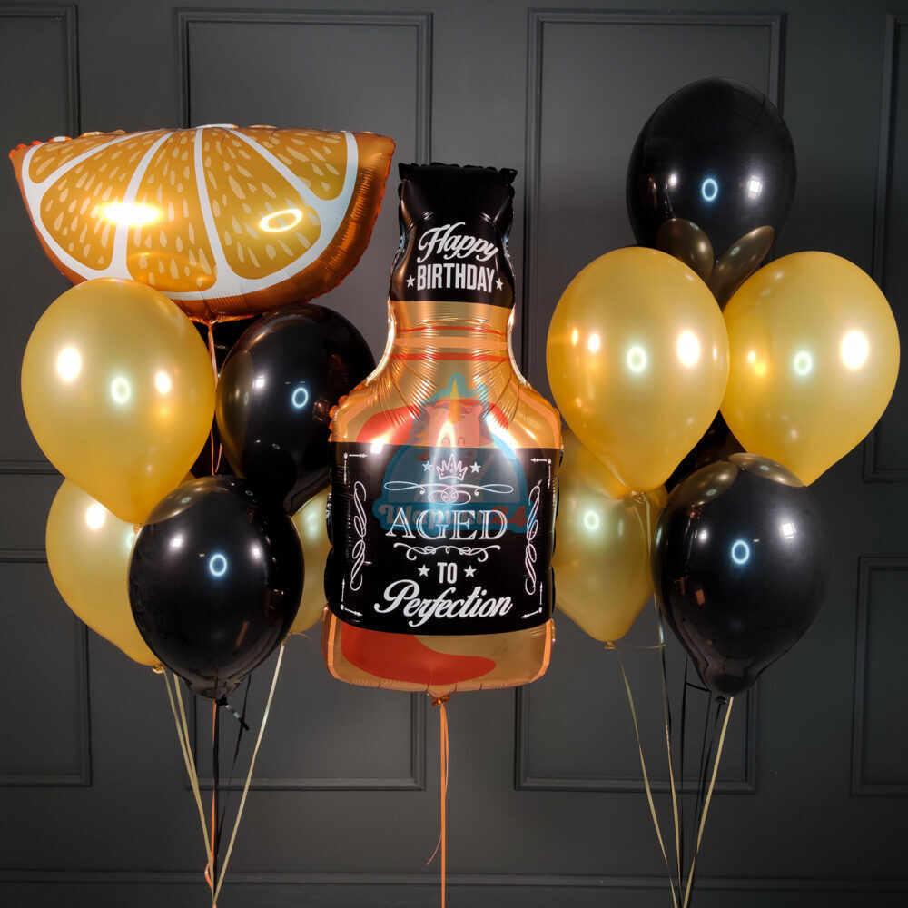 Композиция черно золотых шаров с виски и долькой
