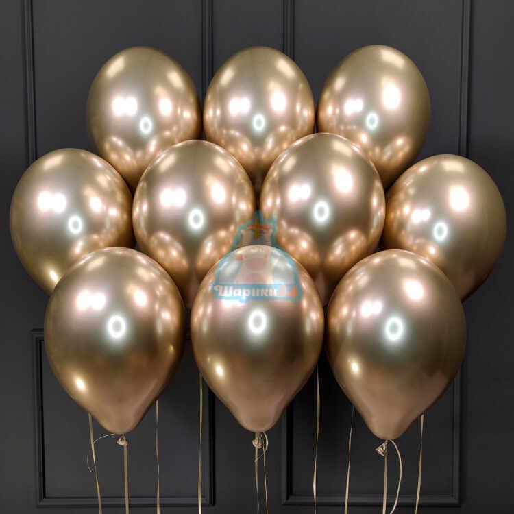 Облако золотых хромированных шаров