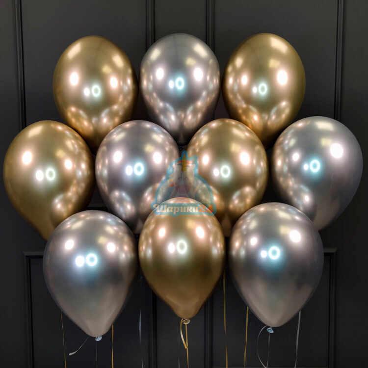 Облако серебряных и золотых хромированных шариков