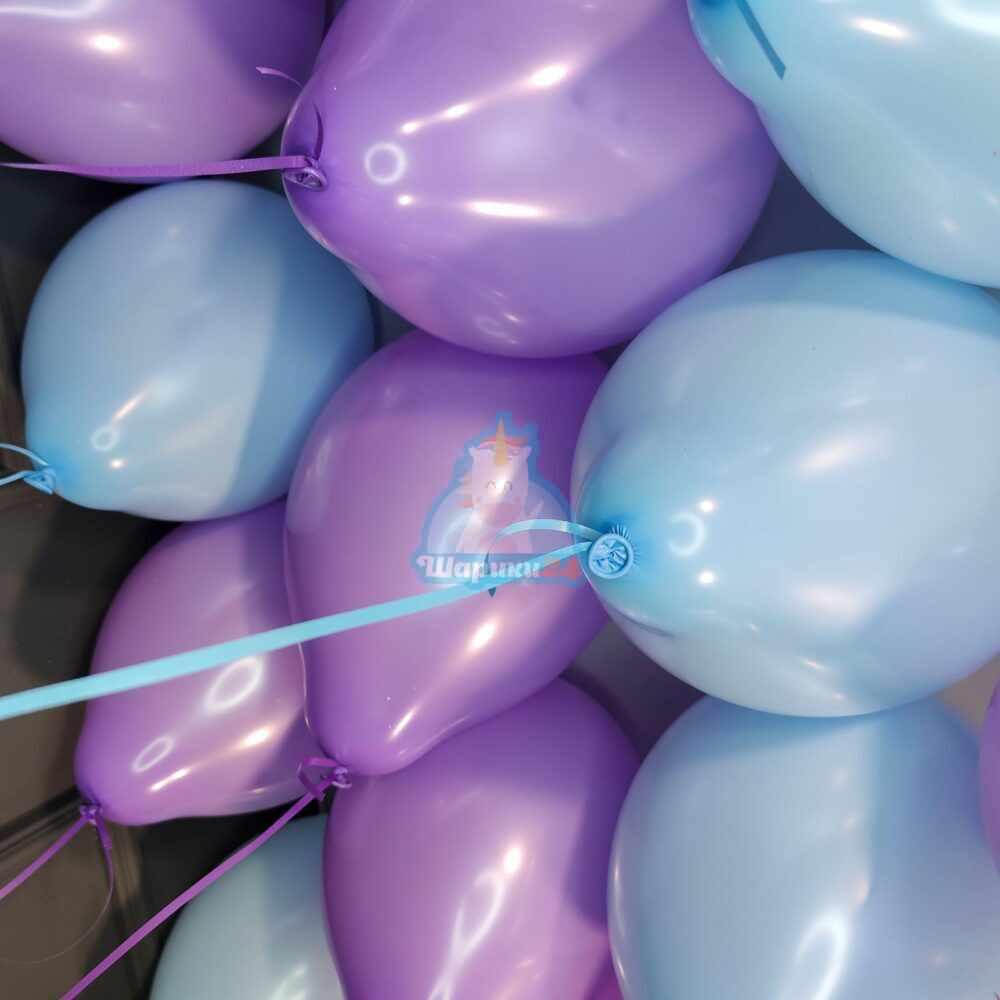 Облако сиренево-голубых шариков