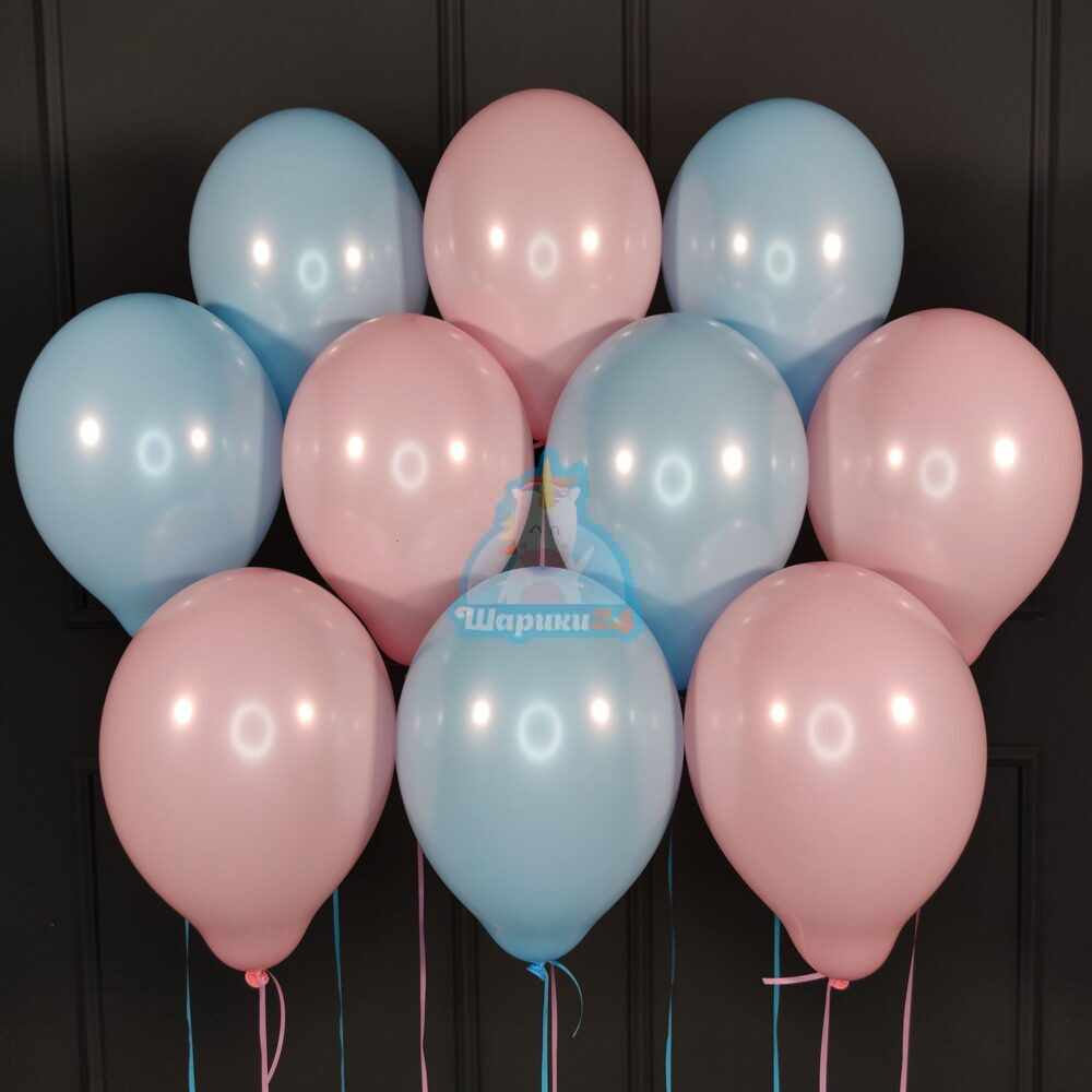 Облако розовых и голубых шаров