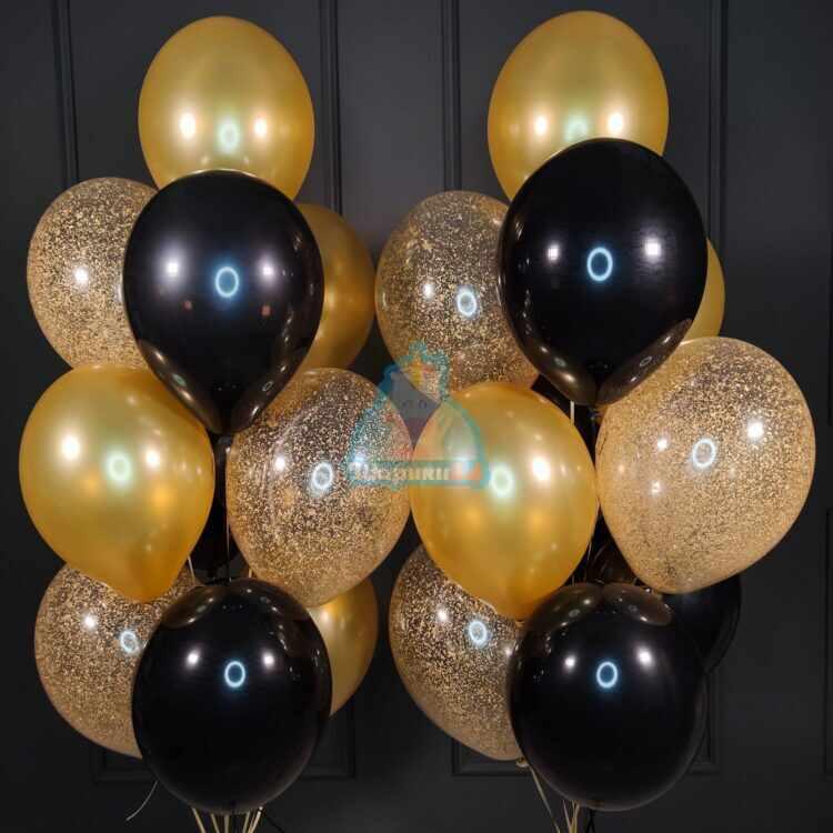 Композиция из черных золотых и прозрачных с золотыми блестками шаров