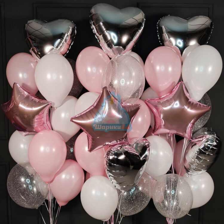 Композиция из шаров с серебряными сердцами и розовыми звездами