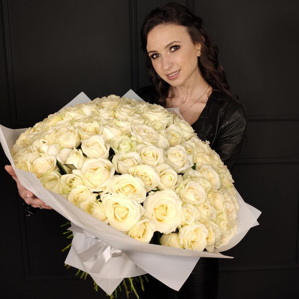 Букет из 101 белой розы Аваланж