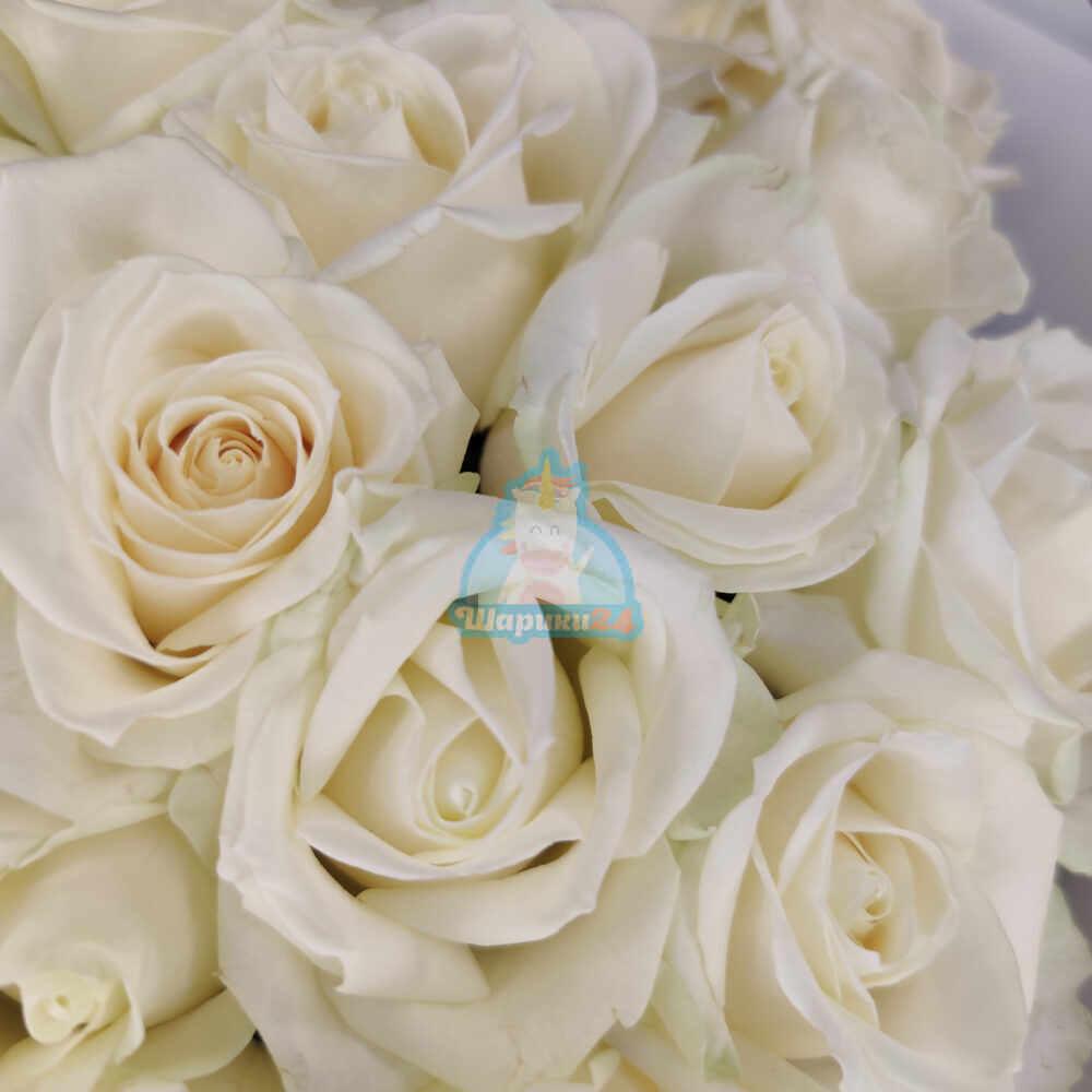 Букет из 35 роз Аваланж