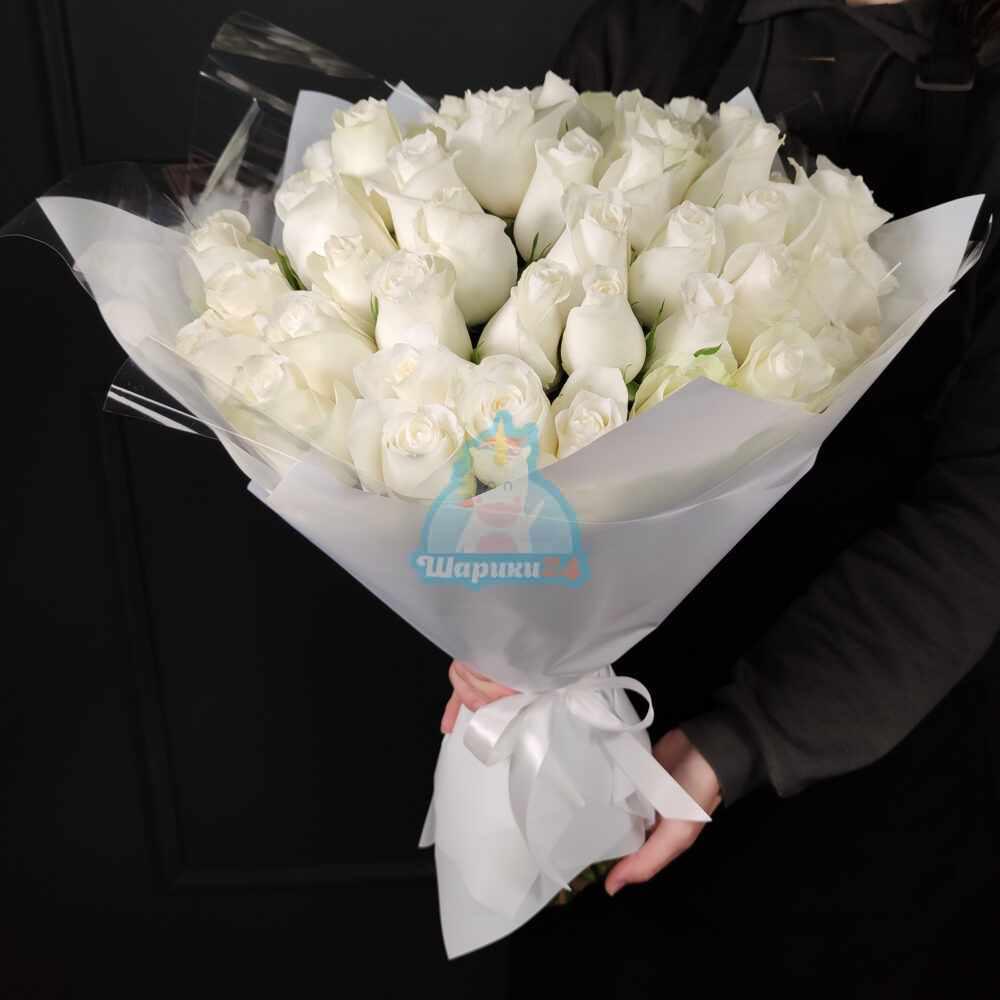 Белоснежные розы 51 шт